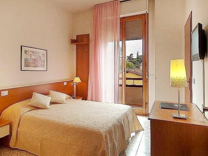4nt florence venice break with flights and train multi centre holidays weekender breaks - Diva hotel firenze ...