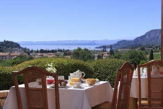 3Nts 4*Lake Garda, Breakfast, Dinners, Massage, Spa & Wine Tasting!
